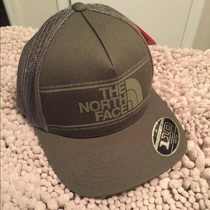 The north face structured trucker hat